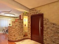 Входна врата, разделяща етажи в жилище